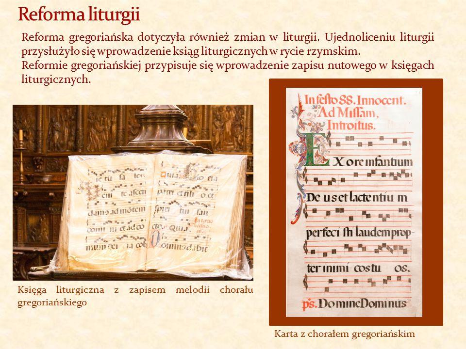 Reforma gregoriańska dotyczyła również zmian w liturgii. Ujednoliceniu liturgii przysłużyło się wprowadzenie ksiąg liturgicznych w rycie rzymskim. Ref