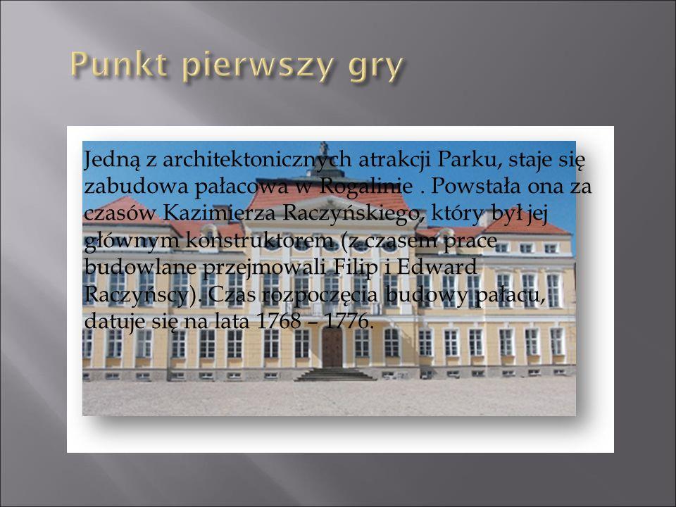 Jedną z architektonicznych atrakcji Parku, staje się zabudowa pałacowa w Rogalinie. Powstała ona za czasów Kazimierza Raczyńskiego, który był jej głów