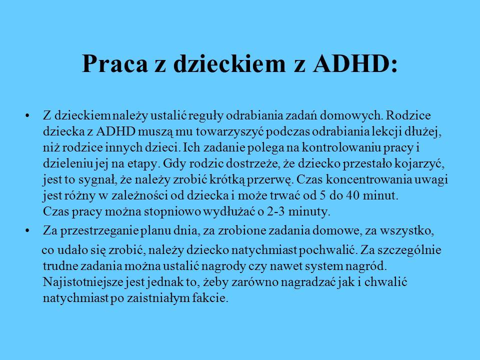Praca z dzieckiem z ADHD: Z dzieckiem należy ustalić reguły odrabiania zadań domowych.