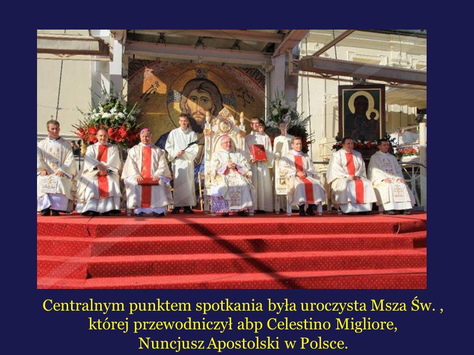 Centralnym punktem spotkania była uroczysta Msza Św., której przewodniczył abp Celestino Migliore, Nuncjusz Apostolski w Polsce.