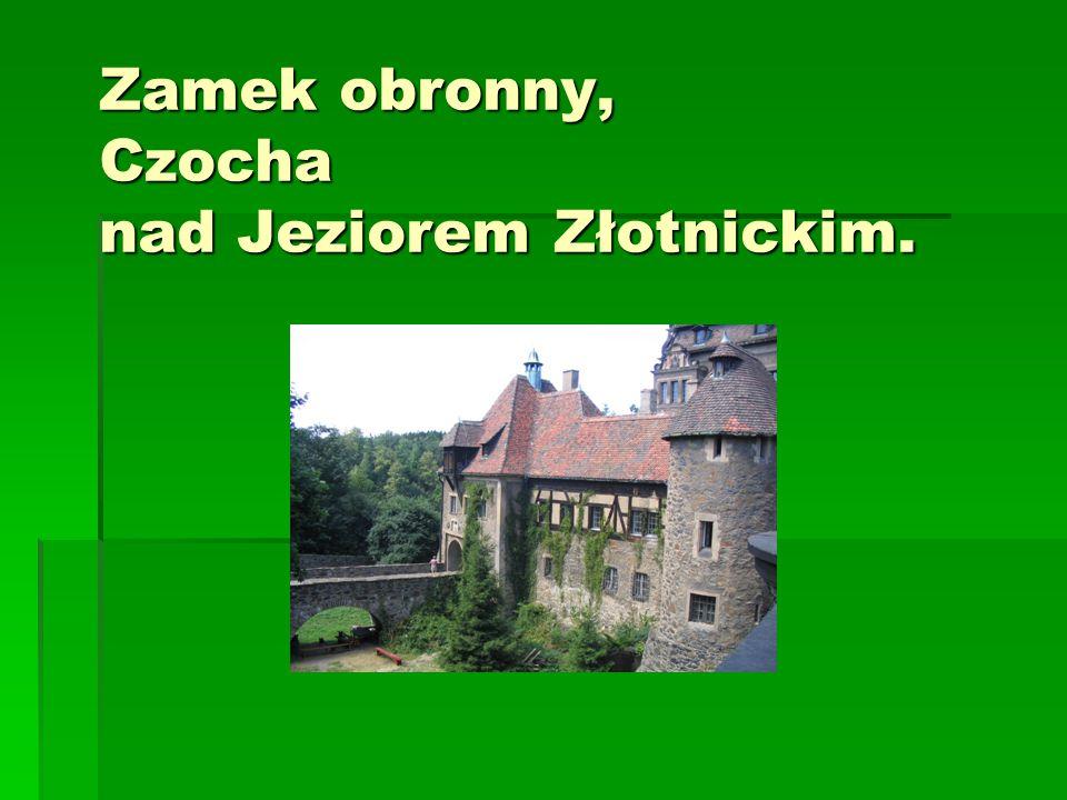 Złotoryja – kościół gotycki z wieżą widokową, w której w średniowieczu mieściło się gimnazjum humanistyczne.