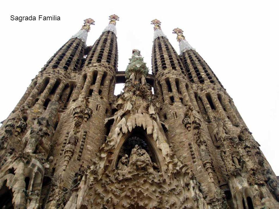 Temple Expiatori de la Sagrada Familia (Kościół Świętej Rodziny) jest najbardziej niekonwencjonal nym z europejskich kościołów i jednocześnie wizytówk