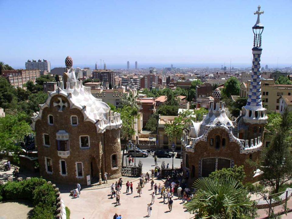 Park G ü ell duży ogr ó d z elementami architektonicznymi w Barcelonie przy ulicy Olot Parc G ü ell jest jednym ze wspaniałych dzieł słynnego hiszpańs
