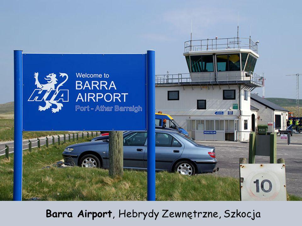 Gibraltar – pas startowy lotniska ma około 1829 metrów. Ciekawostka: Tu także było za mało miejsca na pas startowy, dlatego główny pas startowy przeci