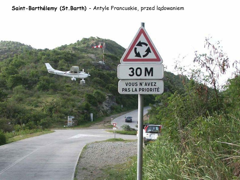 """Courchevel, Frankreich – W 1997 lotnisko było wykorzystane w filmie """"Jutro nie umiera nigdy"""" – lądował tam sam James Bond (Pierce Brosnan)."""
