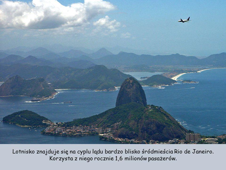 Port lotniczy Rio de Janeiro-Santos Dumont jest drugim co do wielkości portem lotniczym obsługującym aglomerację Rio po lotnisku Rio de Janeiro-Galeão