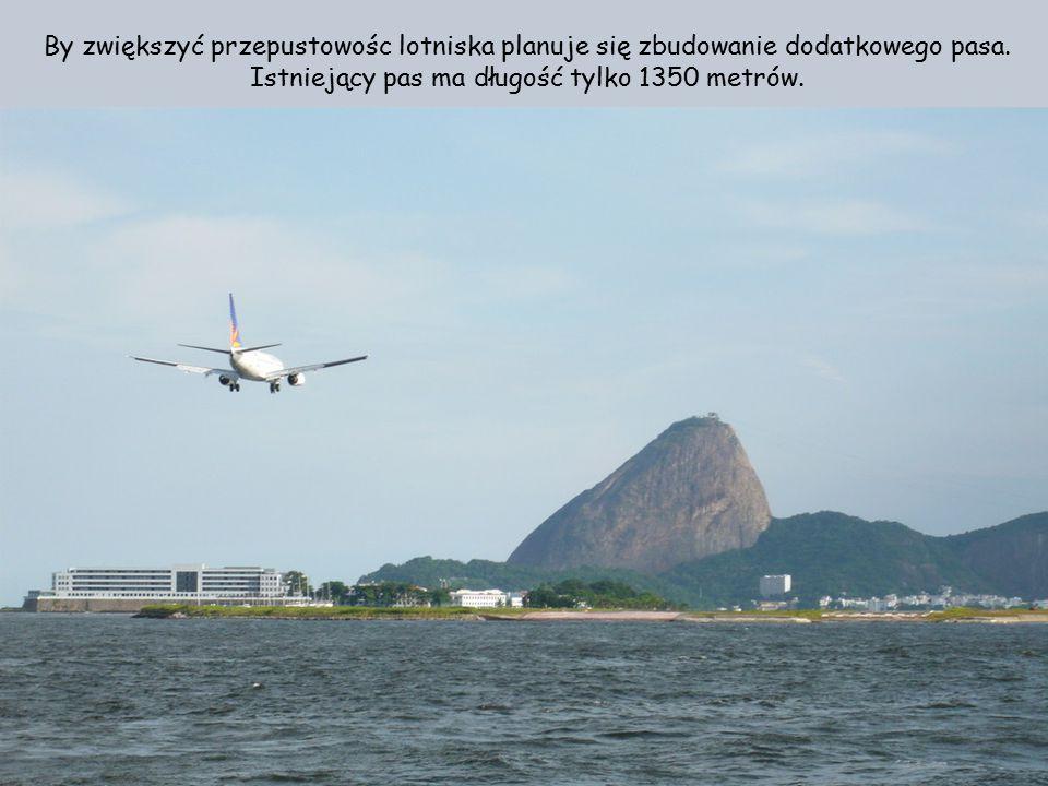 Lotnisko znajduje się na cyplu lądu bardzo blisko śródmieścia Rio de Janeiro. Korzysta z niego rocznie 1,6 milionów pasażerów.