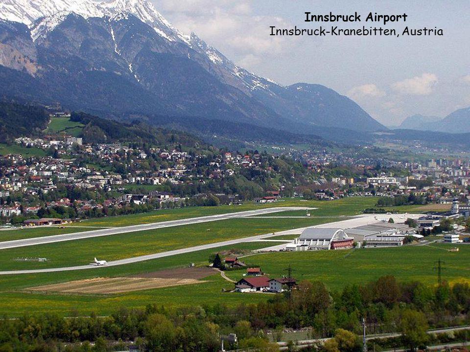 """Courchevel, Frankreich – W 1997 lotnisko było wykorzystane w filmie """"Jutro nie umiera nigdy – lądował tam sam James Bond (Pierce Brosnan)."""