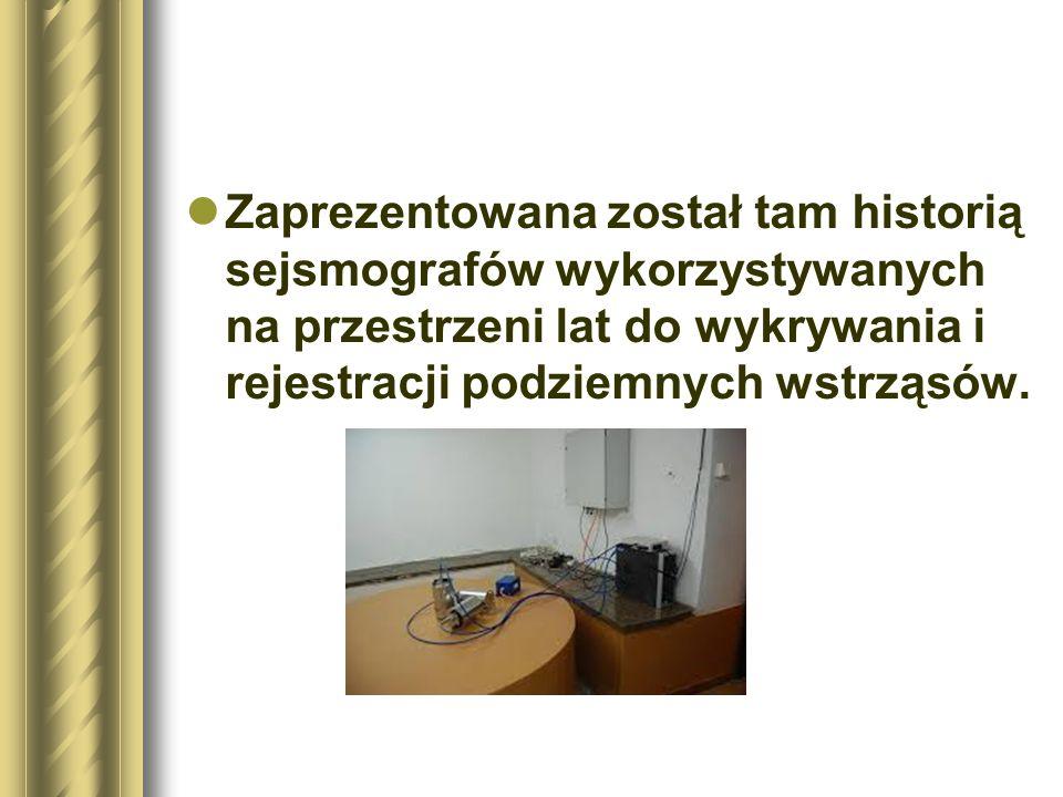 Zaprezentowana został tam historią sejsmografów wykorzystywanych na przestrzeni lat do wykrywania i rejestracji podziemnych wstrząsów.