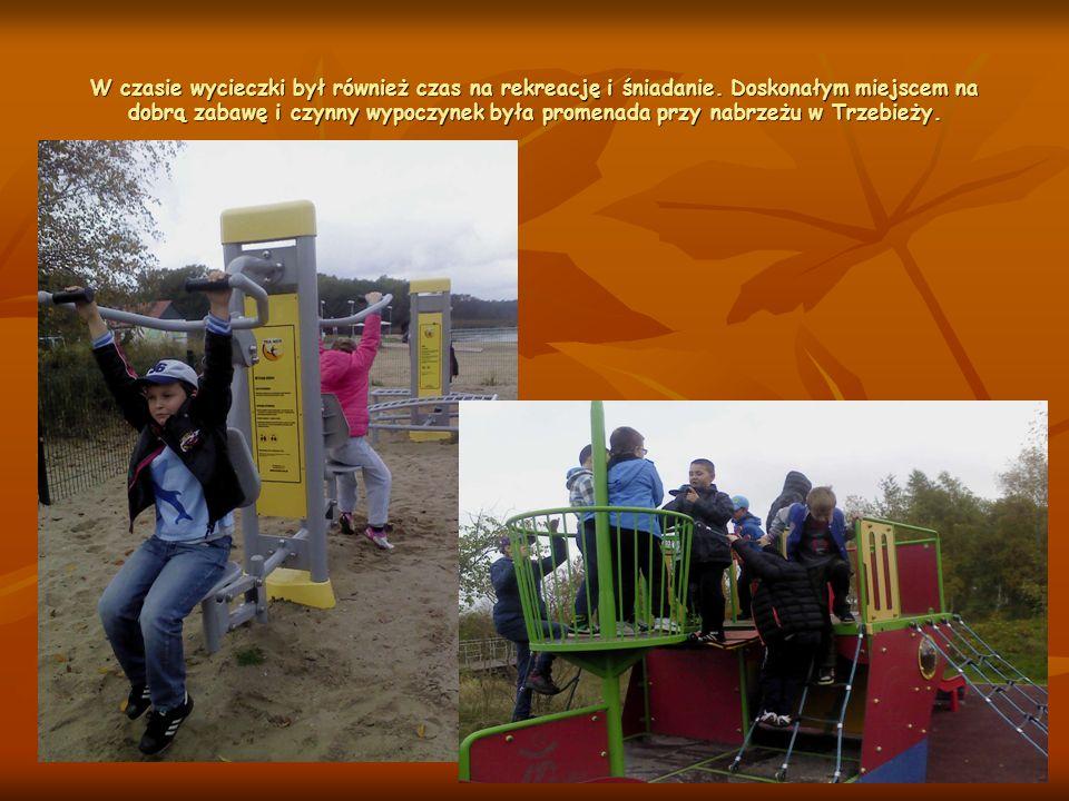 Oprócz walorów krajoznawczych i atrakcji żeglarskich dzieci mogły poznać obecne znaczenie miejscowości Trzebież przy Zalewie Szczecińskim obserwując miejscowość z wieży widokowej.