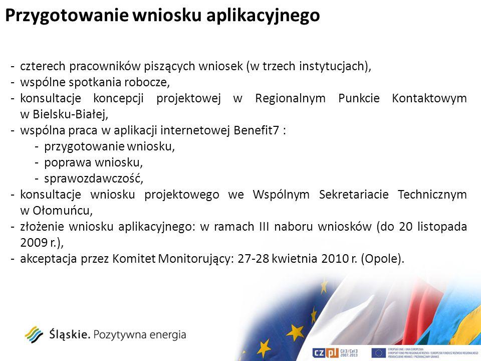 Główny cel projektu wsparcie i rozwój współpracy transgranicznej Kraju Morawsko-Śląskiego, Województwa Śląskiego i Opolskiego dzięki utworzeniu WSPÓLNEGO SEKRETARIATU, WYMIANY DOŚWIADCZEŃ PARTNERSKICH URZĘDÓW REGIONALNYCH STRATEGII SYSTEMOWEJ WSPÓŁPRACY NA OKRES 2010-2020.