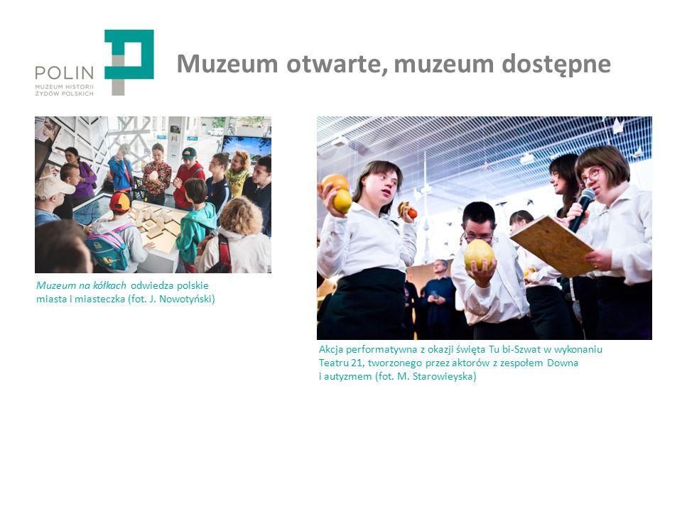 Muzeum otwarte, muzeum dostępne Akcja performatywna z okazji święta Tu bi-Szwat w wykonaniu Teatru 21, tworzonego przez aktorów z zespołem Downa i autyzmem (fot.