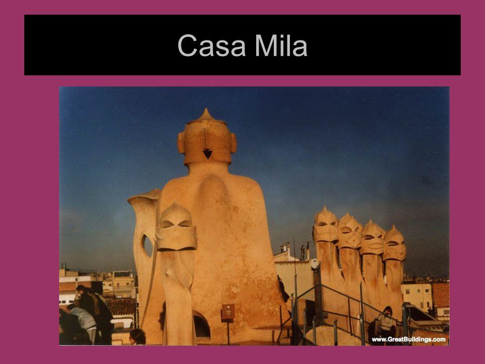 Architektura Gaudiego Inspiracje architekturą gotycką i Islamu Budowle przypominają rzeźby Ekspresyjne Falujące, organiczne kształty Fantazyjne Asymetryczne plany Krzywolinijne apartamenty, np.