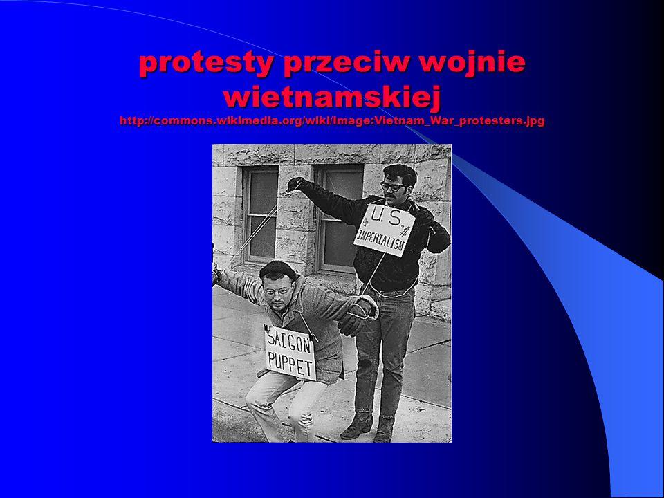 protesty przeciw wojnie wietnamskiej http://commons.wikimedia.org/wiki/Image:Vietnam_War_protesters.jpg