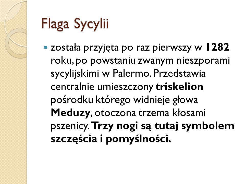 Flaga Sycylii została przyjęta po raz pierwszy w 1282 roku, po powstaniu zwanym nieszporami sycylijskimi w Palermo.