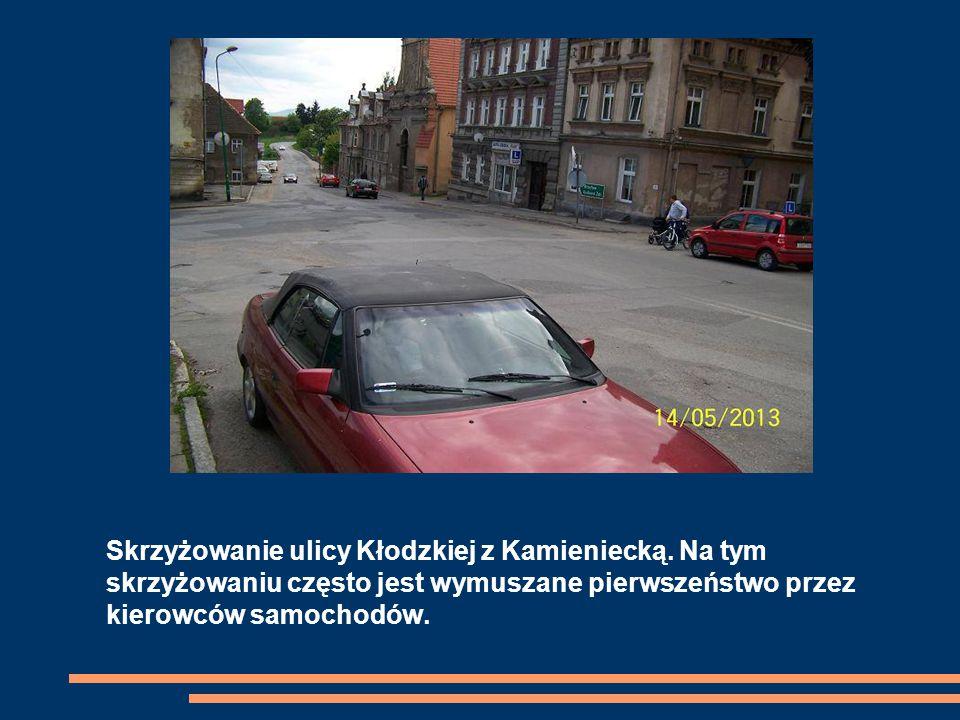 Skrzyżowanie ulicy Kłodzkiej z Kamieniecką.