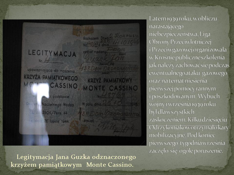 Legitymacja Jana Guzka odznaczonego krzyżem pamiątkowym Monte Cassino.