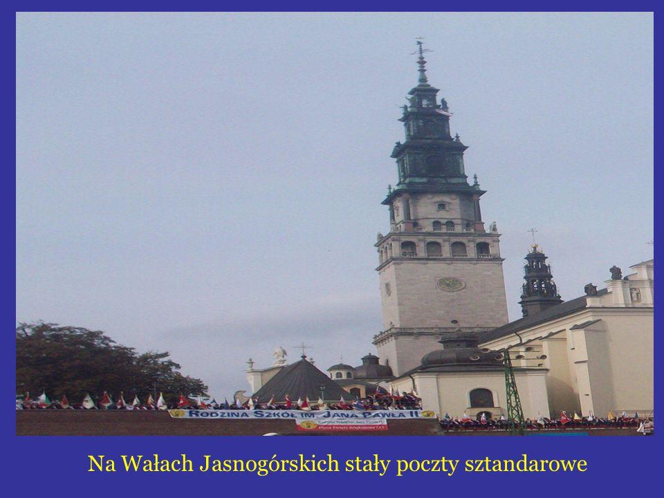 Na Wałach Jasnogórskich stały poczty sztandarowe