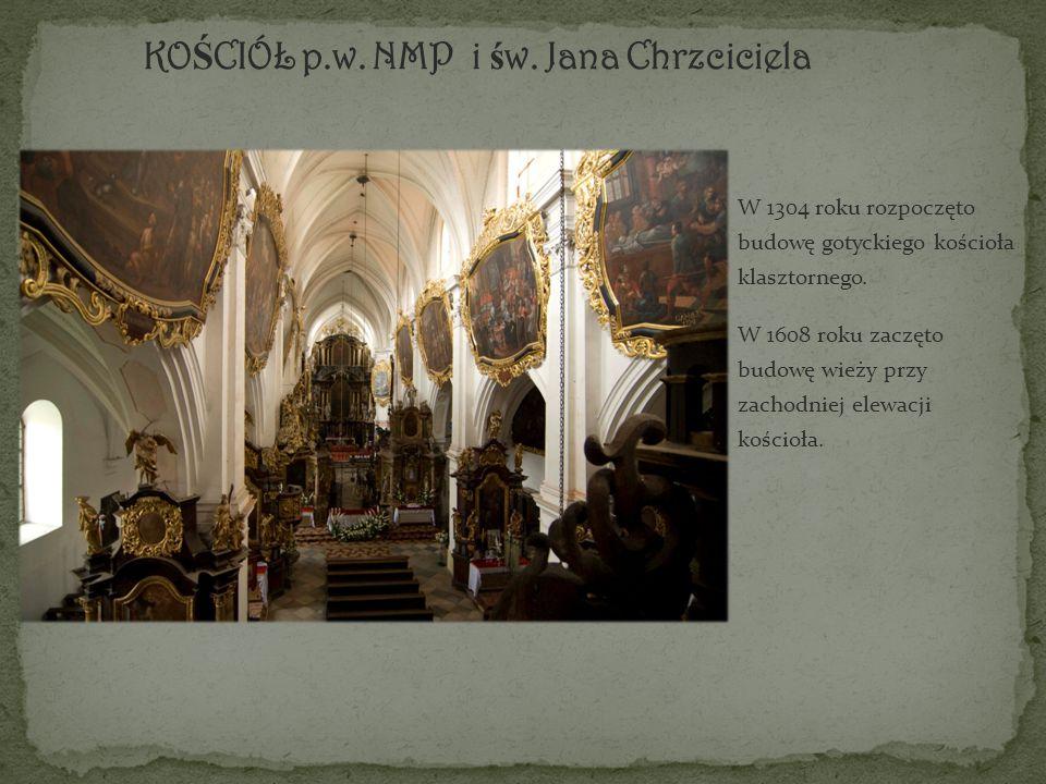 W 1304 roku rozpoczęto budowę gotyckiego kościoła klasztornego.