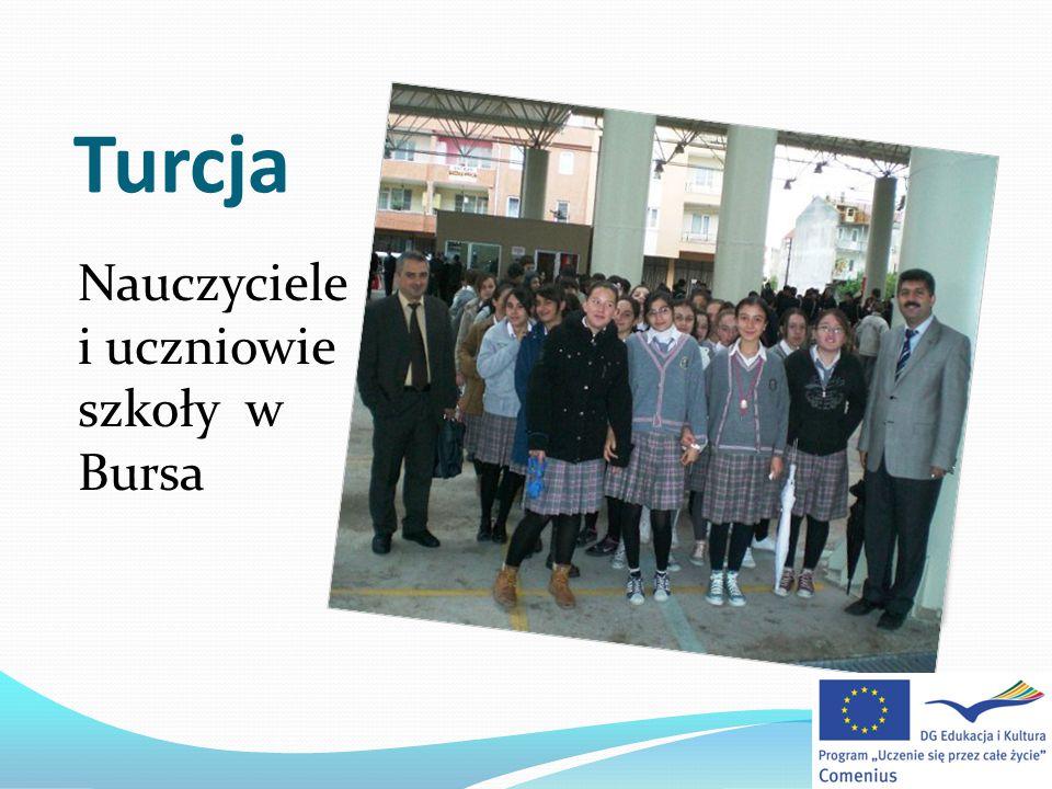 Turcja Nauczyciele i uczniowie szkoły w Bursa