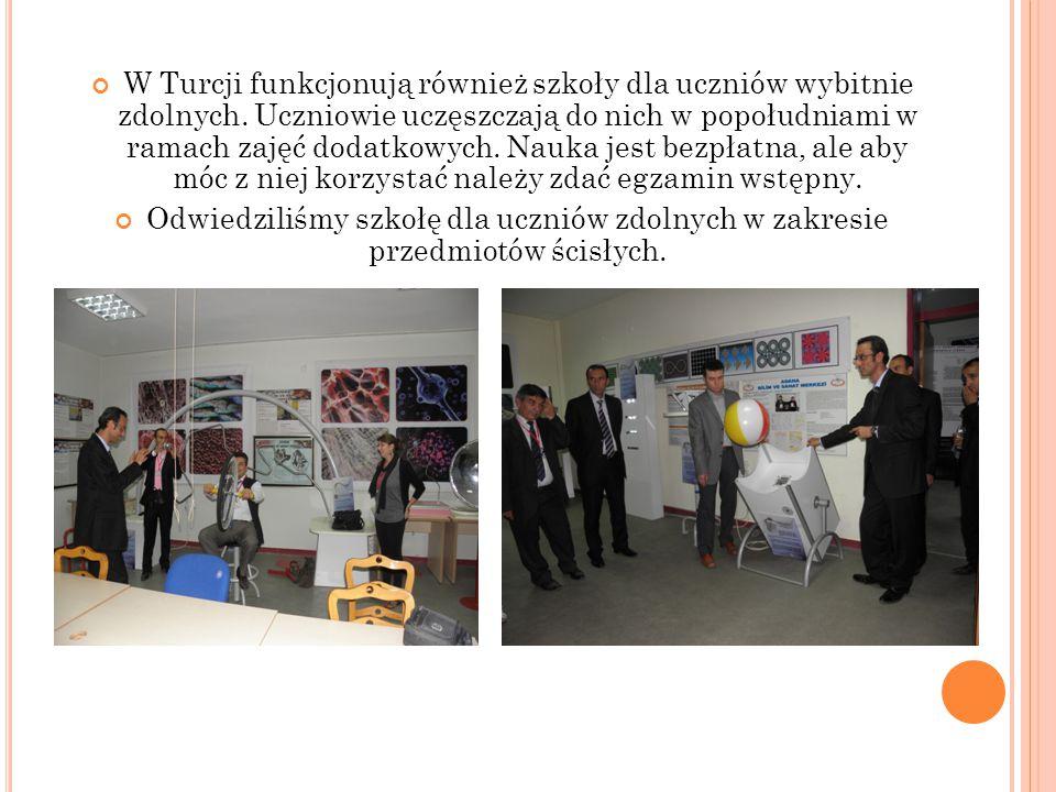 W Turcji funkcjonują również szkoły dla uczniów wybitnie zdolnych.