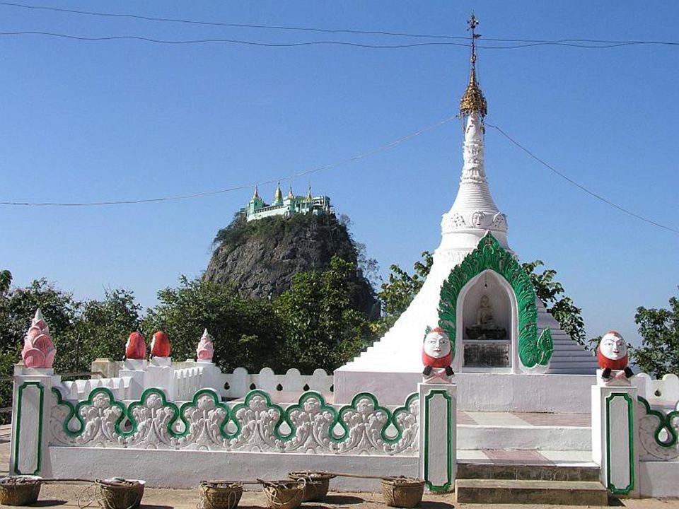 W tradycji birmańskiej góra uważana jest za siedzibę 37 natów, lokalnych bóstw.