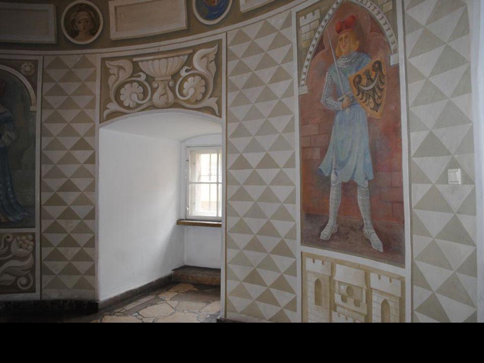 Współczesny plafon w Muzeum z herbami Piastów Śląskich.