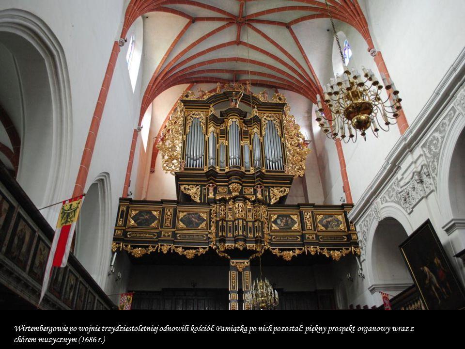 W 1538 r. kościół został przejęty przez protestantów. Następuje dalsza rozbudowa jego wyposażenia - powstają empory (1596-1607 r.),