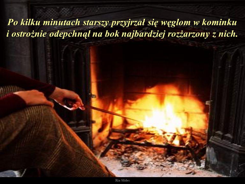 Zapadła niezręczna cisza. Obydwaj mężczyźni skupili swój wzrok na płomieniach ognia tańczących wokół drew w kominku..