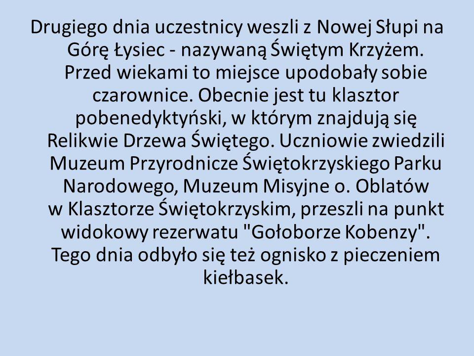 Trzeciego dnia uczniowie spacerowali po Kielcach.