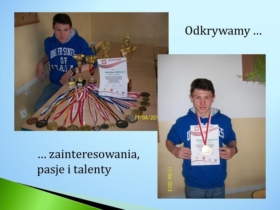 ARKADIUSZ URBANIAK (ur.19 styczeń 1998 w Nowej Dębie) – uczeń Publicznego Gimnazjum im.