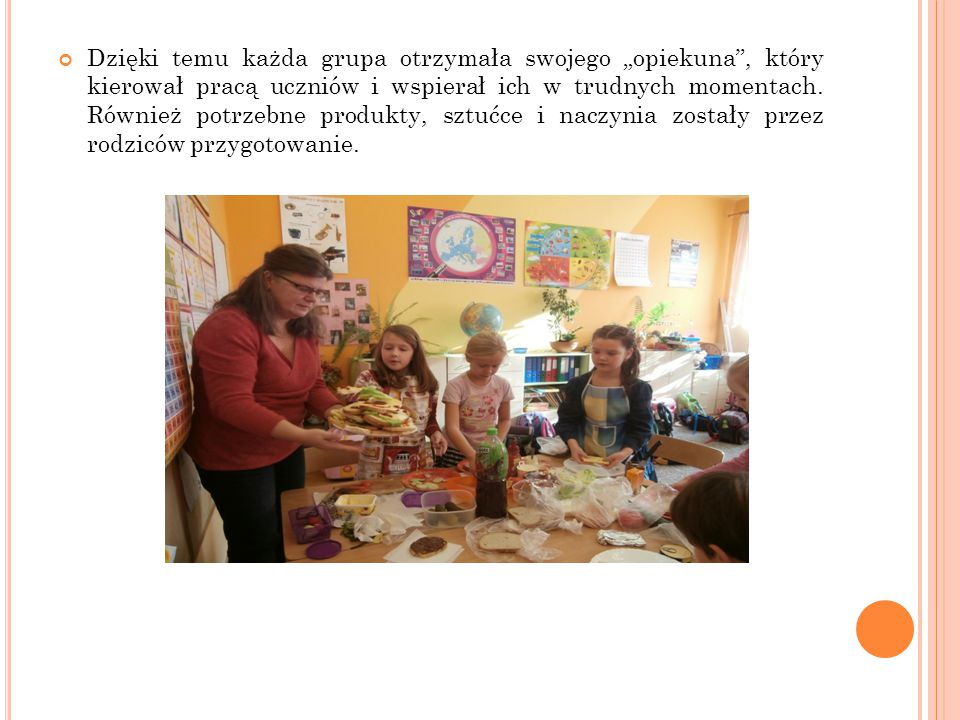 """Dzięki temu każda grupa otrzymała swojego """"opiekuna , który kierował pracą uczniów i wspierał ich w trudnych momentach."""