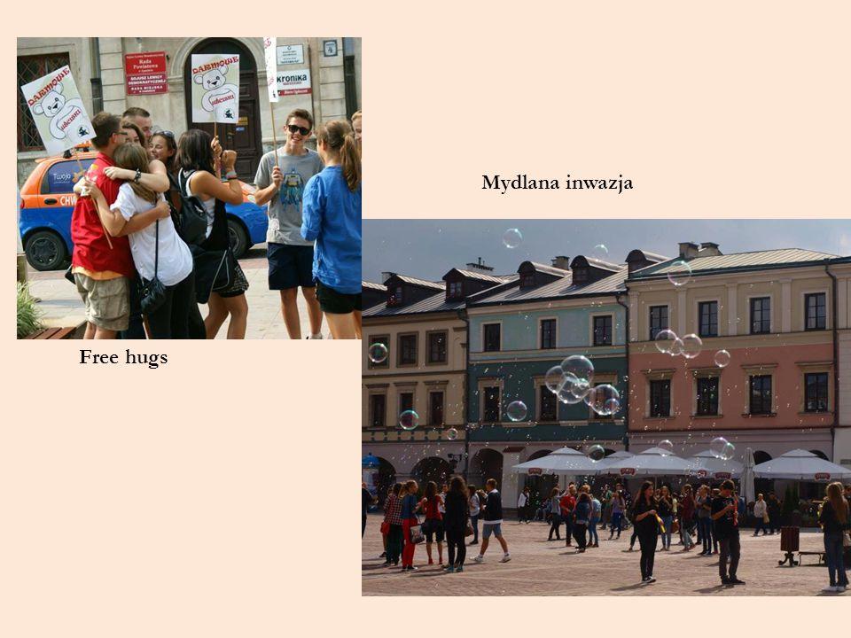 Free hugs Mydlana inwazja