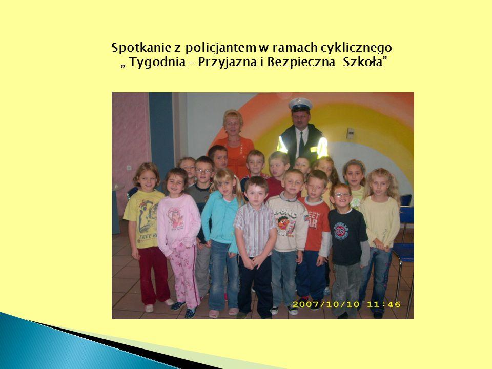 """Spotkanie z policjantem w ramach cyklicznego """" Tygodnia – Przyjazna i Bezpieczna Szkoła"""""""
