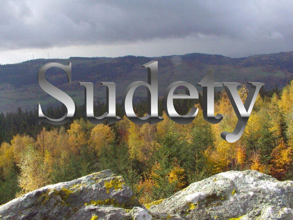 Sudety to stary łańcuch górski o zróżnicowanej budowie geologicznej i średniej wysokości szczytów, znajdujący się pomiędzy Bramą Morawską na wschodzie, a doliną Łaby na południu i zachodzie, oraz Niziną Śląską na północy.