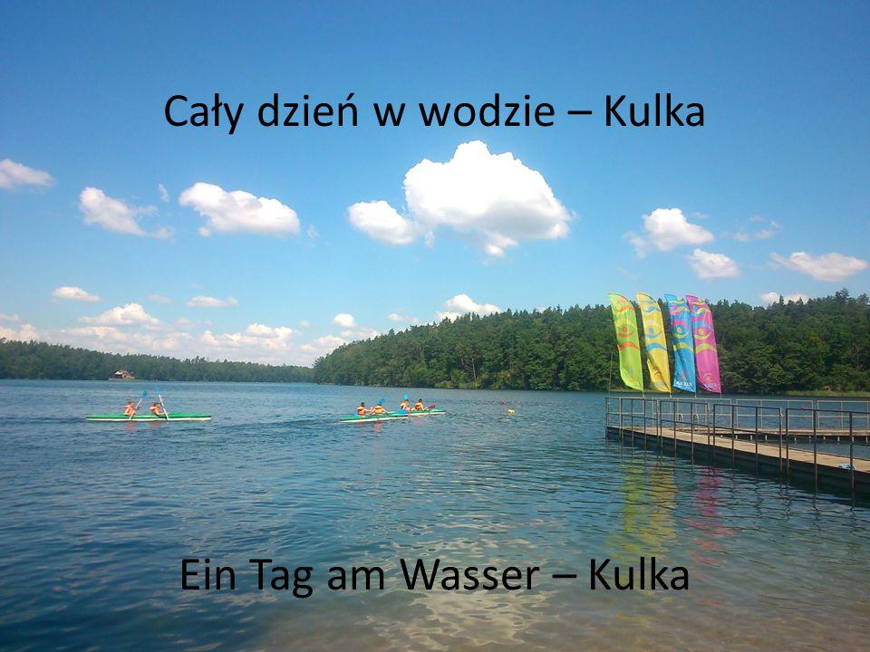 Zabawy w wodzie Wir amüsierten uns am Wasser.