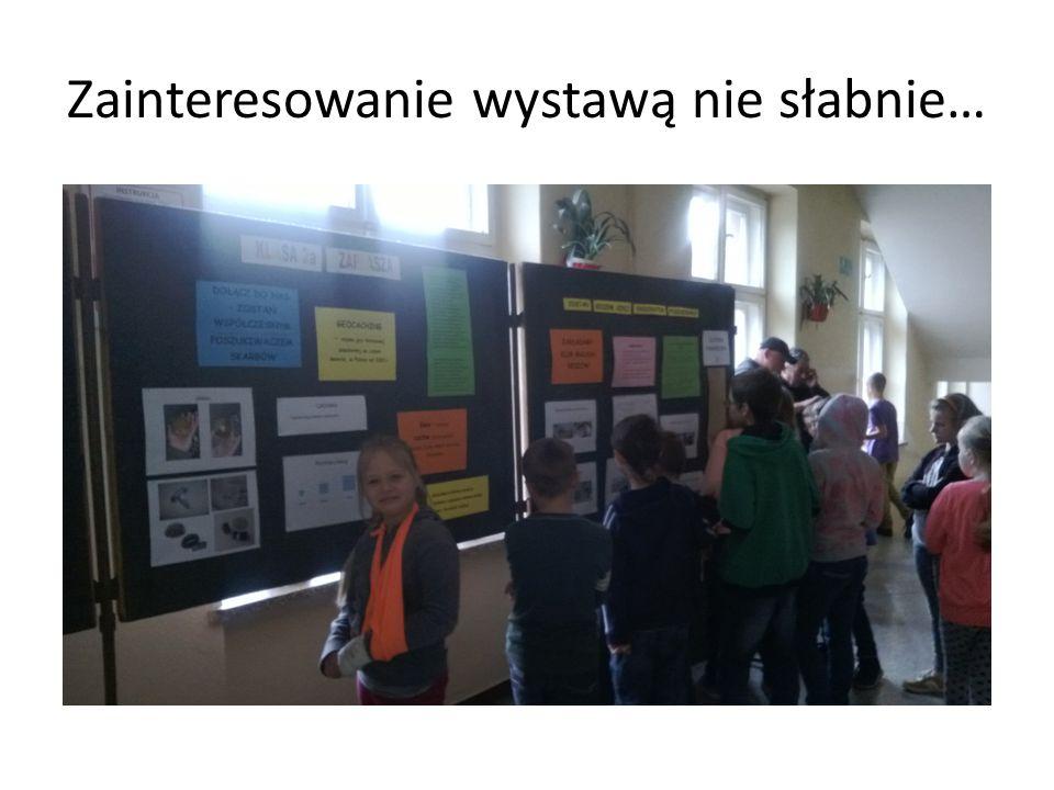 Zainteresowanie wystawą nie słabnie…
