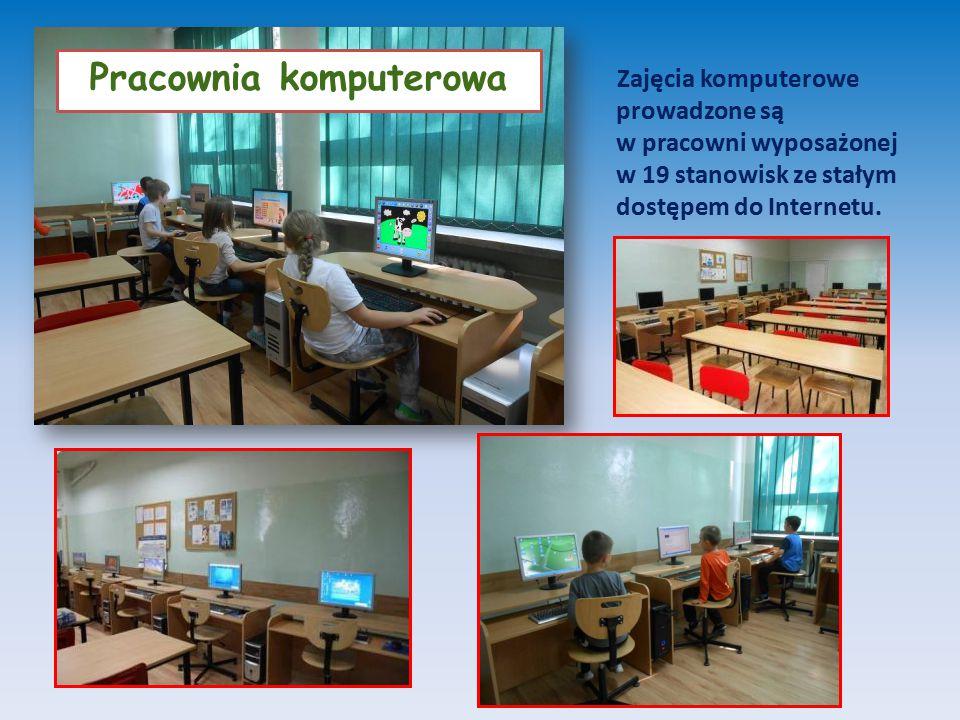 Zajęcia komputerowe prowadzone są w pracowni wyposażonej w 19 stanowisk ze stałym dostępem do Internetu.