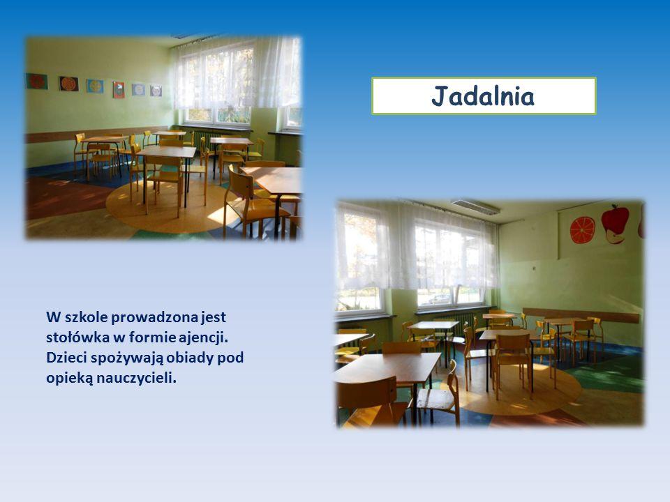 W szkole prowadzona jest stołówka w formie ajencji. Dzieci spożywają obiady pod opieką nauczycieli. Jadalnia
