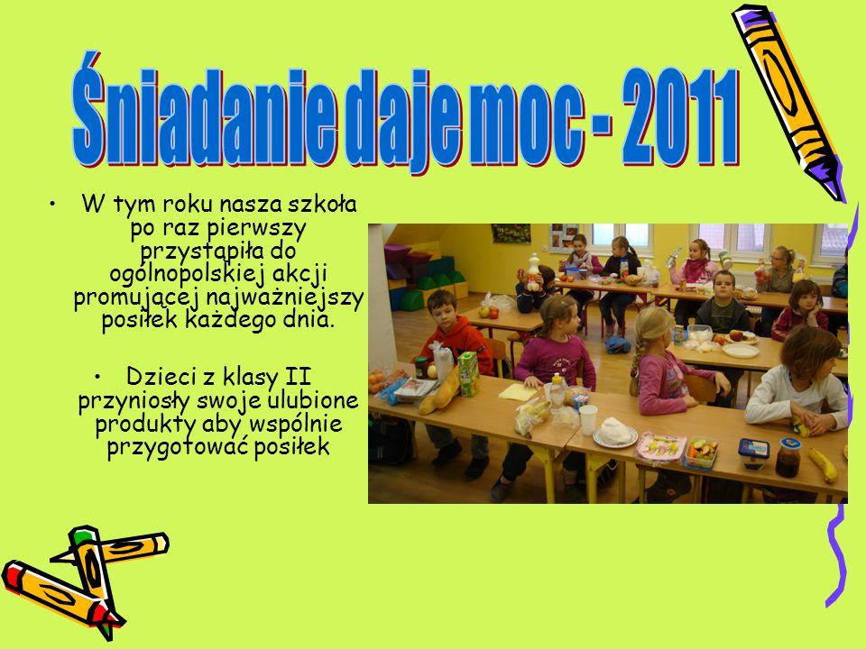 W tym roku nasza szkoła po raz pierwszy przystąpiła do ogólnopolskiej akcji promującej najważniejszy posiłek każdego dnia. Dzieci z klasy II przyniosł