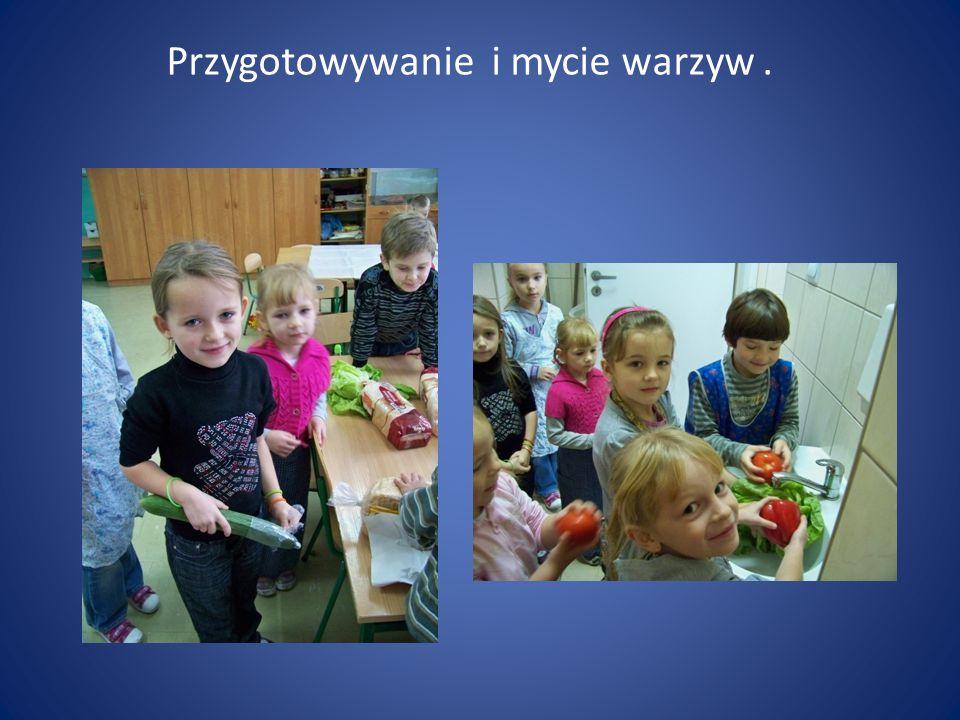 Przygotowywanie i mycie warzyw.
