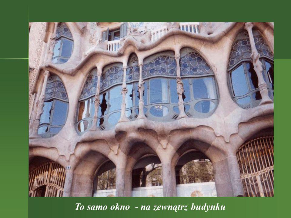 Okno w pomieszczeniu Casa Batllo