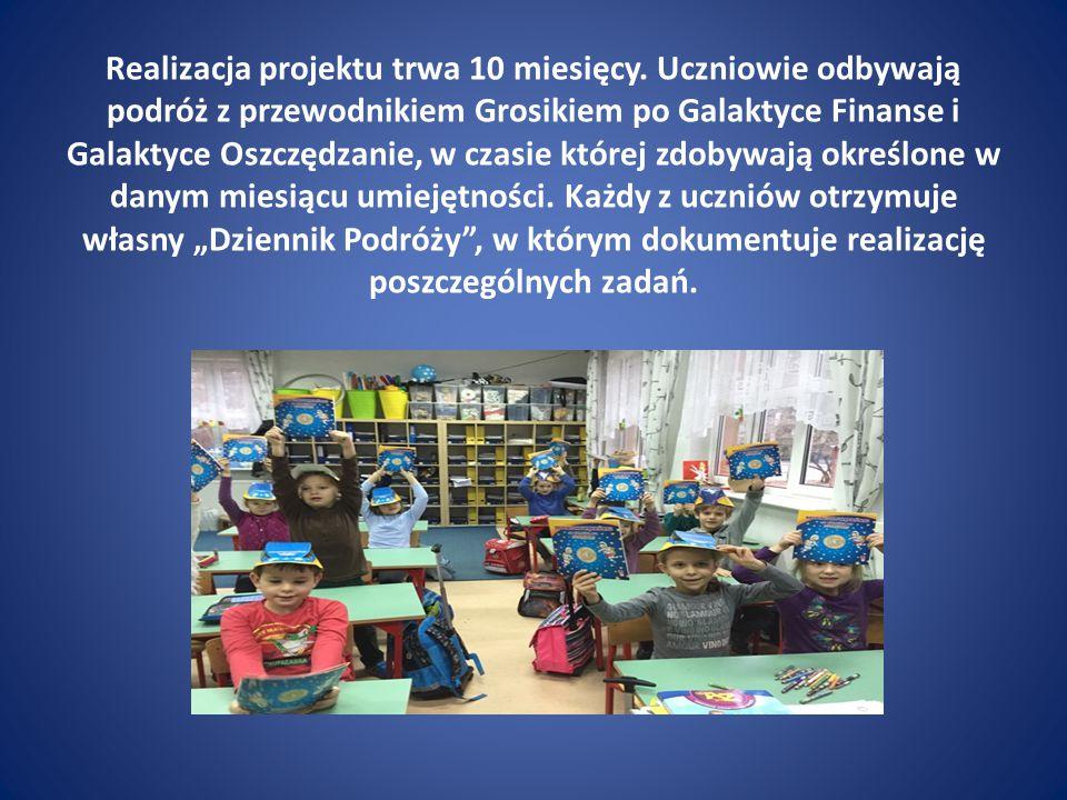 Propozycje zawarte w programie stanowią unikalną na polskim rynku edukacyjnym ofertę wzbogacającą doświadczenia dzieci o wiedzę i umiejętności przydatne we współczesnym świecie, jako początek edukacji ekonomicznej najmłodszych.