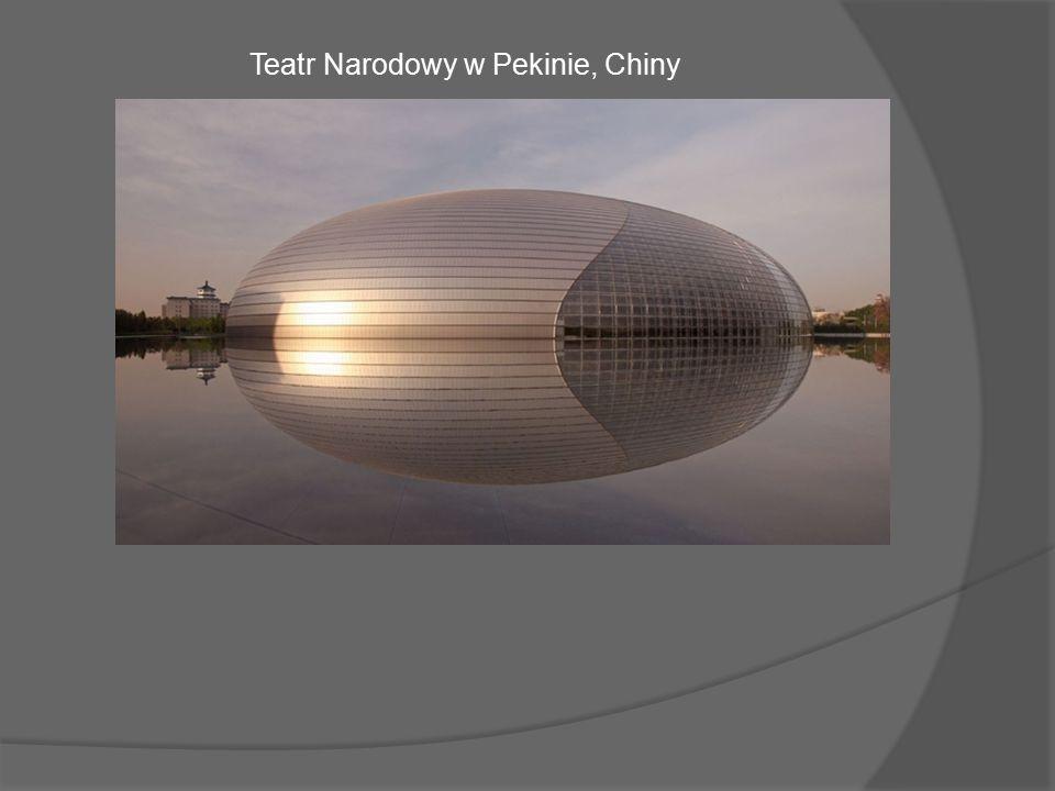 Futurystyczny budynek nazywany Wielkim Jajem powstał w centrum chińskiej stolicy w latach 2001-2007.