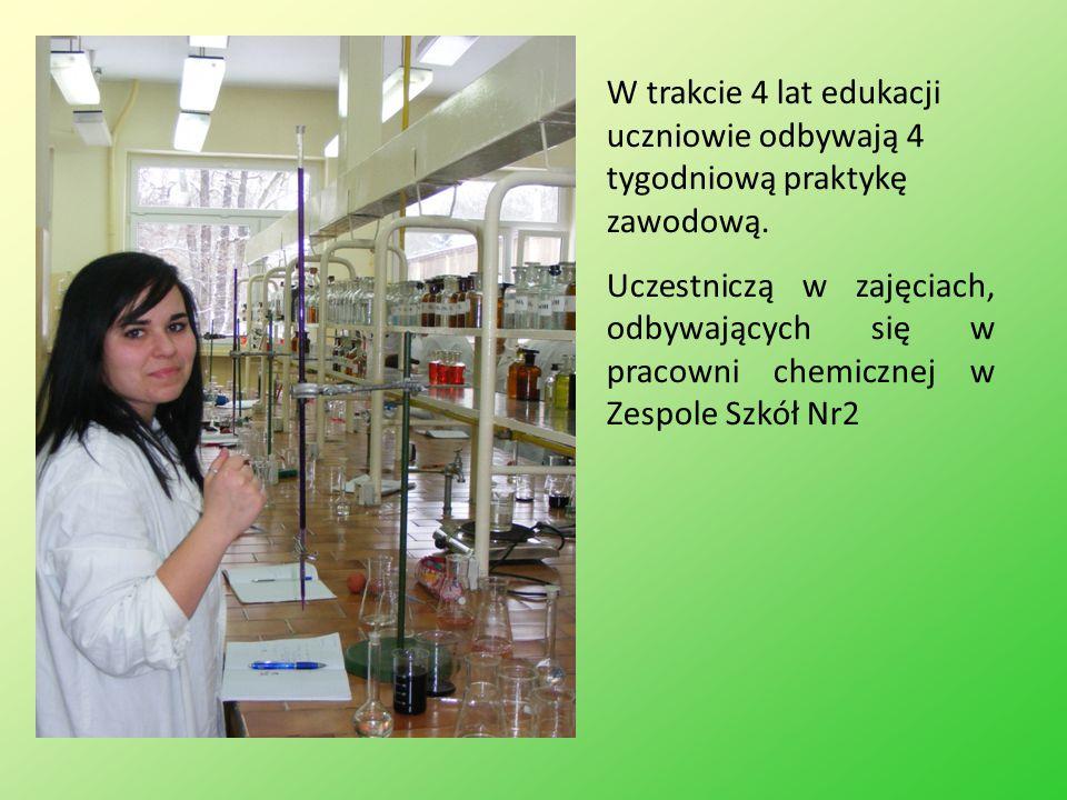 W trakcie 4 lat edukacji uczniowie odbywają 4 tygodniową praktykę zawodową. Uczestniczą w zajęciach, odbywających się w pracowni chemicznej w Zespole