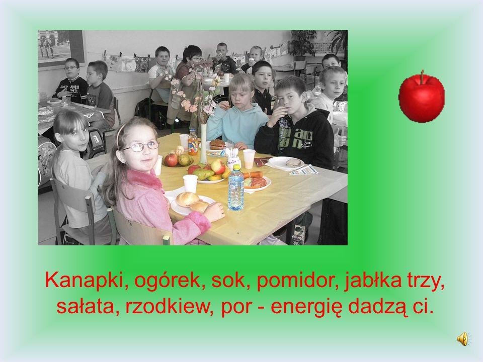 Kanapki, ogórek, sok, pomidor, jabłka trzy, sałata, rzodkiew, por - energię dadzą ci.