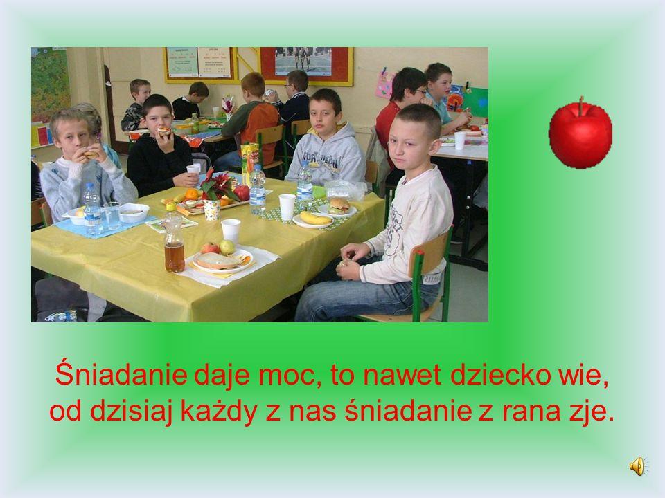 Prezentację przygotowali: Barbara Tolko oraz uczniowie klasy III a KONIEC Gify zaczerpnięto z zasobów internetowych