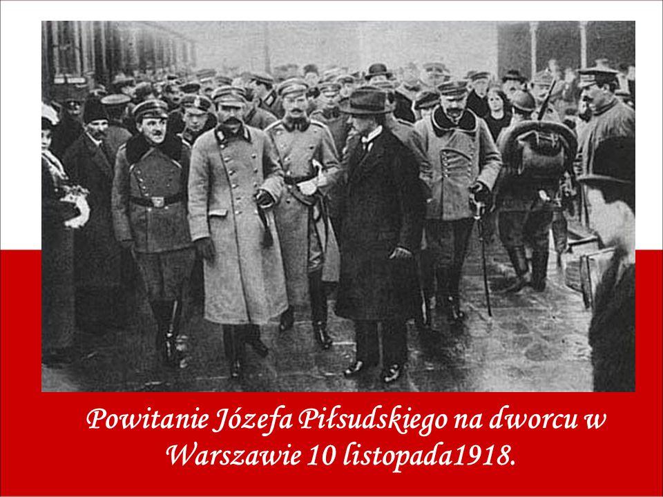 Powitanie Józefa Piłsudskiego na dworcu w Warszawie 10 listopada1918.