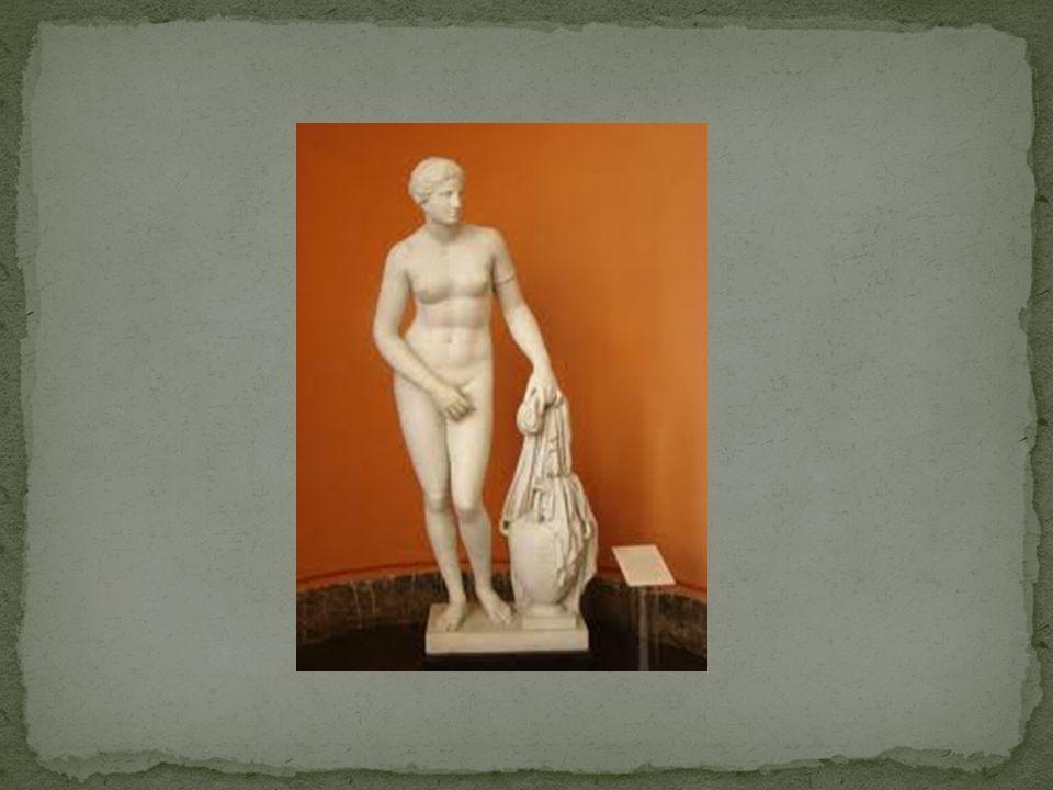 Pierwsze znane rzeźby, pochodzące z czasów prehistorycznych, przedstawiały nagie kobiety, symbolizujące najprawdopodobniej Płodność.