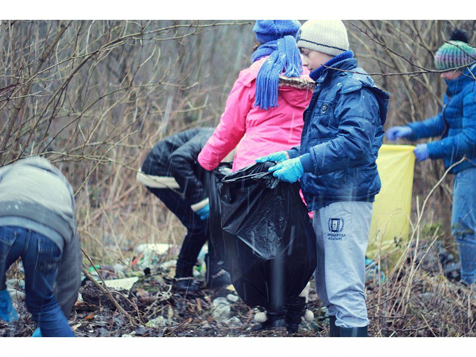 Segregować śmieci Oprócz tego, aby wyrzucać śmieci w odpowiednie miejsce, należy je również segregować.